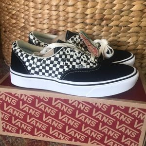 Vans Comfycush Era checkered NWT NIB.